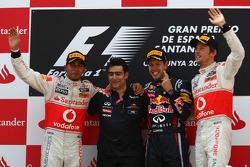 Podium: Sieger Sebastian Vettel, Red Bull Racing, 2. Lewis Hamilton, McLaren Mercedes, 3. Jenson Button, McLaren Mercedes