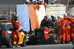 Авария Виталия Петрова, Lotus Renault F1 Team