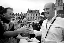 Dr. Wolfgang Ullrich signs autographs
