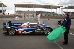 #9 Team Peugeot Total Peugeot 908: Sébastien Bourdais, Simon Pagenaud, Pedro Lamy takes the green flag