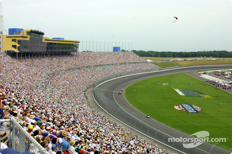 Sold out Kansas Speedway