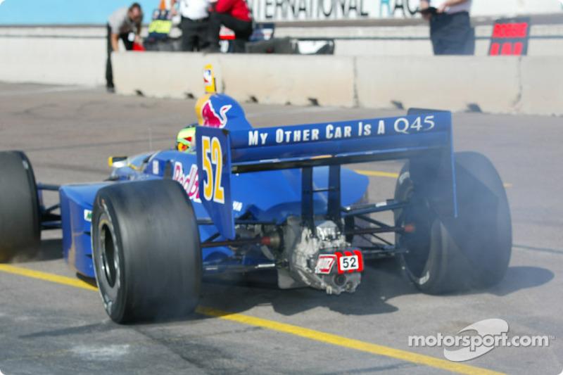 Tomas Scheckter lors de la séance matinale