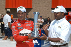 Helio Castroneves receives MBNA Pole Award