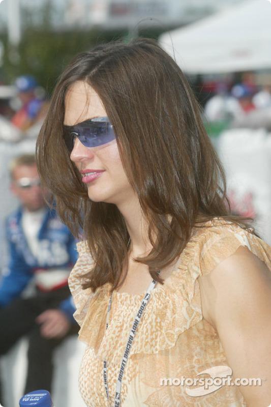 La femme de Buddy Lazier, Kara
