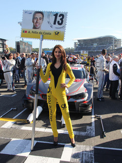 Grid girl of António Félix da Costa, BMW Team Schnitzer, BMW M4 DTM