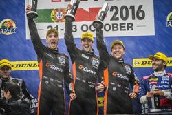 Подиум: победители гонки Саймон Долан, Гидо ван дер Гарде, Харри Тикнелл, G-Drive Racing Gibson 015S-Nissan