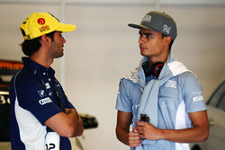 (L to R): Felipe Nasr, Sauber F1 Team with Pascal Wehrlein, Manor Racing on the drivers parade