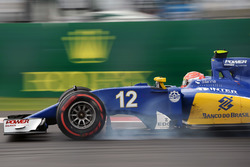 Felipe Nasr, Sauber C35 blokkeert tijdens het aanremmen