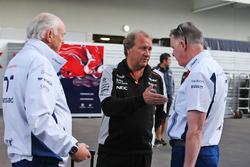 Роберт Фернли, заместитель руководителя Sahara Force India F1 Team Deputy Team Principal и Майк О'Дрискол, генеральный директор Williams Group