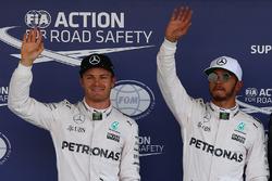 Le poleman Lewis Hamilton, Mercedes AMG F1, le deuxième, Nico Rosberg, Mercedes AMG F1