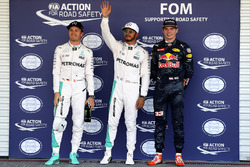 Top-drie uit de kwalificatie: Nico Rosberg, Mercedes AMG F1, twede; Lewis Hamilton, Mercedes AMG F1, pole-position; Max Verstappen, Red Bull Racing, derde