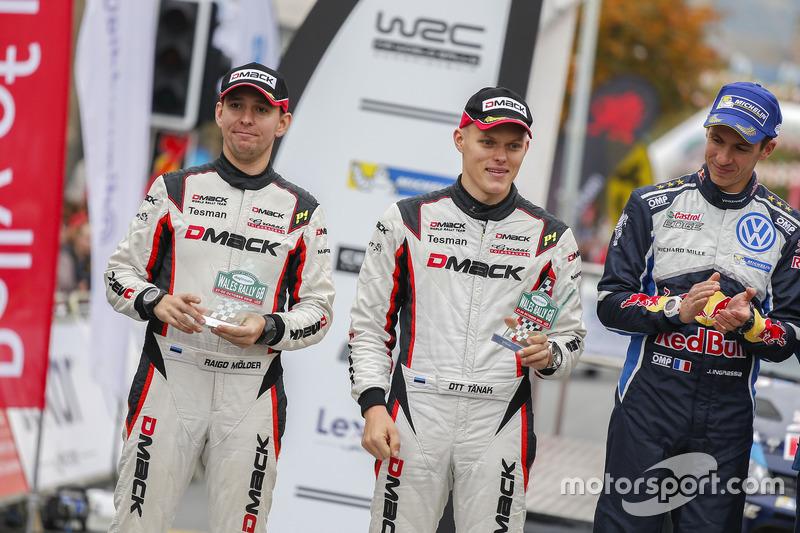 Подіум: друге місце Отт Тzнака, Раіго Молдер, DMACK World Rally Team