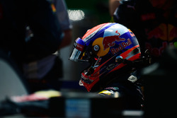 Max Verstappen, Red Bull Racing RB12 sur la grille