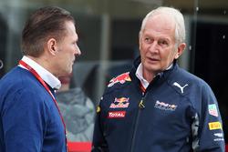 Йос Ферстаппен и спортивный консультант Red Bull доктор Хельмут Марко