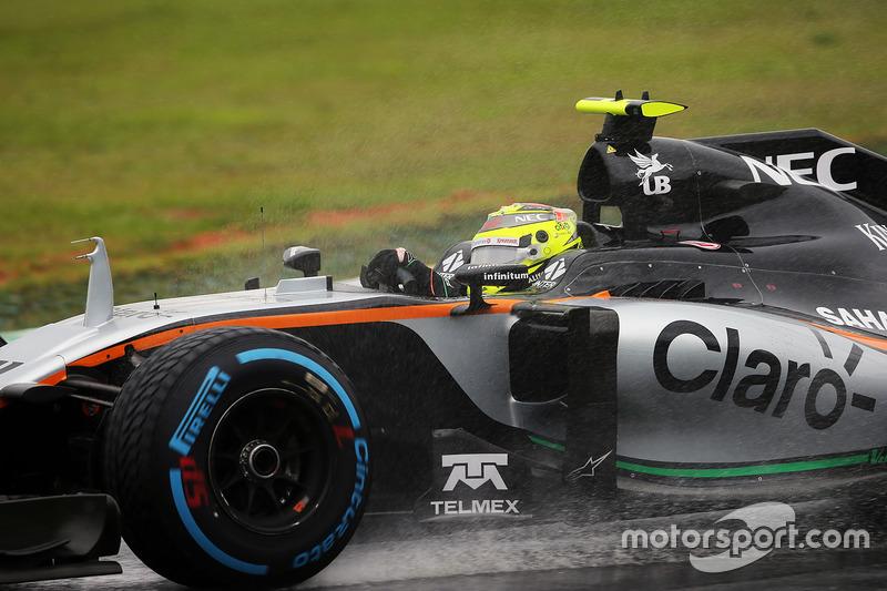 Sergio Pérez logró un gran cuarto puesto tras el ataque de Verstappen