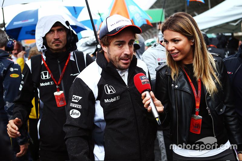 Fernando Alonso logró remontar hasta la 10ª posición final