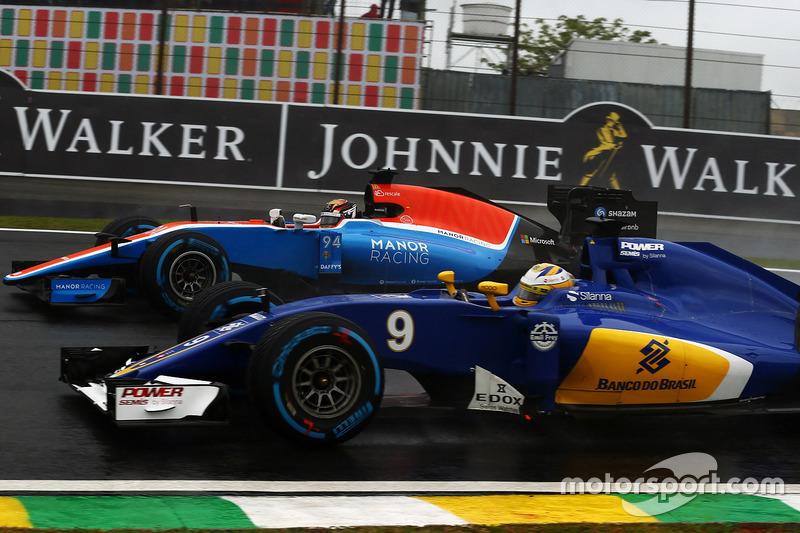 Marcus Ericsson, Sauber C35, Pascal Wehrlein, Manor Racing MRT05