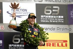 Podium: third place Sérgio Sette Camara, Carlin Dallara Volkswagen