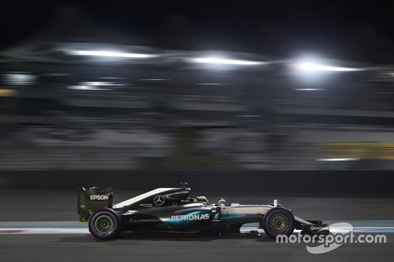 2016: Lewis Hamilton (Mercedes F1 W07 Hybrid)