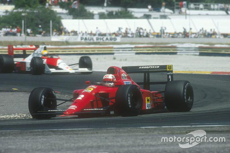 Senna jaagt Mansell op