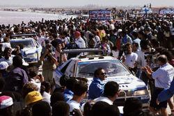 Peugeot 405'ler Dakar sahillerinde