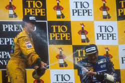 Podium: 1. Nigel Mansell, Williams Renault und 2.  Michael Schumacher, Benetton Ford
