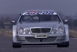 Bernd Schneider en Klaus Ludwig, testen de nieuwe Mercedes CLK, HWA AG