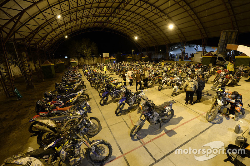 Мотоциклы на бивуаке