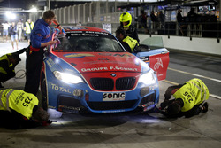 Pit stop #235 DUWO Racing BMW M235i Racing Cup: Jean-Marie Dumont, Frederic Schmit, Nicolas Schmit, Thierry Chkondali, Bruno Derossi