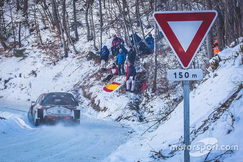 """Я на машині WRC - у мене """"головна дорога""""!"""