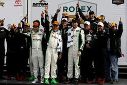 1. GTD: #28 Alegra Motorsports, Porsche 911 GT3 R: Daniel Morad, Jesse Lazare, Carlos de Quesada, Michael de Quesada, Michael Christensen with the team