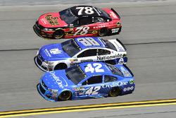 Kyle Larson, Chip Ganassi Racing, Chevrolet; Alex Bowman, Hendrick Motorsports, Chevrolet; Martin Truex Jr., Furniture Row Racing, Toyota