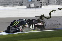 Kurt Busch, Stewart-Haas Racing Ford in trouble
