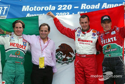 Conferencia de presna de pilotos mexicanos: Mario Domínguez, Héctor Rebáque, Michel Jourdain Jr. y Adrián Fernández