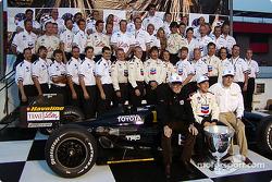 Cristiano da Matta celebrates 2002 CART Championship with Paul Newman, Carl Haas and the whole team