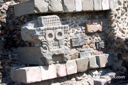 Visit at Teotihuacan pyramids: Stone work at temple