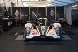 #6 Muscle Milk Aston Martin Racing AMR/Lola Coupe B08 62: c, Klaus Graf