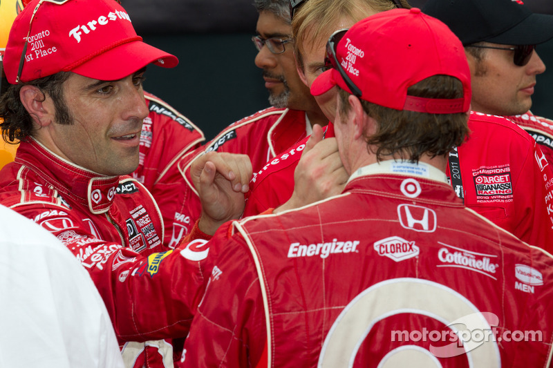 Victory circle: race winner Dario Franchitti, Target Chip Ganassi Racing celebrates with Scott Dixon, Target Chip Ganassi Racing