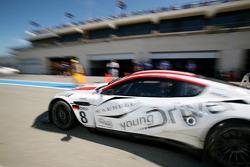 #8 Young Driver AMR Aston Martin DB9: Stefan Mücke, Darren Turner