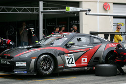 Pit stop for #22 JR Motorsport Nissan GT-R: Peter Dumbreck, Richard Westbrook