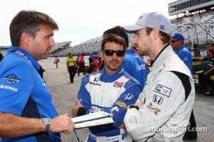 Oriol Servia, Newman/Haas Racing and James Hinchcliffe, Newman/Haas Racing