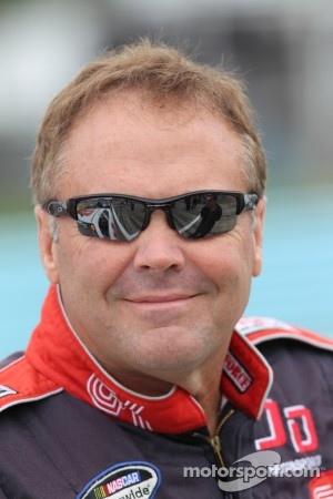 Mike Wallace, Davis Chevrolet