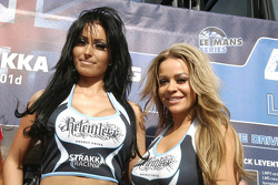 Strakka girls
