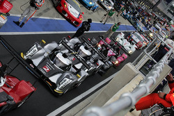 Cars head to the grid