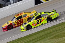 Kurt Busch, Penske Racing Dodge and Paul Menard, Richard Childress Racing Chevrolet