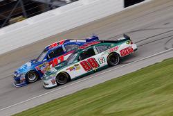 Dale Earnhardt Jr., Hendrick Motorsports Chevrolet and Bobby Labonte, JTG Daugherty Racing Toyota