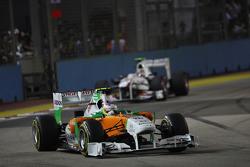 Paul di Resta, Force India F1 Team aventaja a Sergio Pérez, Sauber F1 Team
