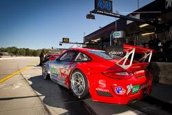 #44 Flying Lizard Motorsports Porsche 911 GT3 RSR: Darren Law, Seth Neiman, Marco Holzer