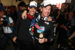 Greg Murphy and Allan Simonsen take pole for the 2011 Bathurst 1000, #11 Pepsi Max Crew