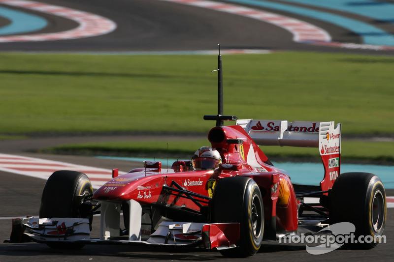 Suma (kilómetros) y sigue con Ferrari